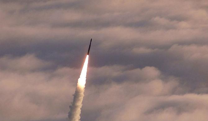 EMP-Ballistic-Missile-670x388.jpg