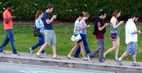 Texting-and-Walking.jpg