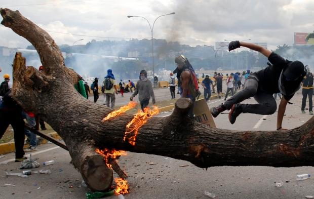 venezuela-political-crisis.jpg