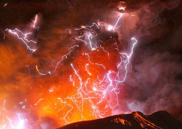 volcanolightning.jpg
